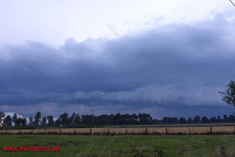 Böenwalze/Shelf Cloud in Rheda-Wiedenbrück