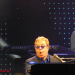 Konzertbericht und Konzertfotos: Elton John & Band – Greatest Hits Live 2014