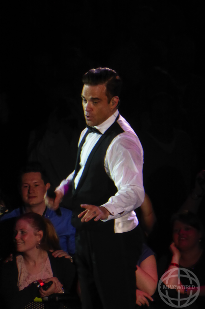 Konzertfotos Robbie Williams Amsterdam 04.50.2014
