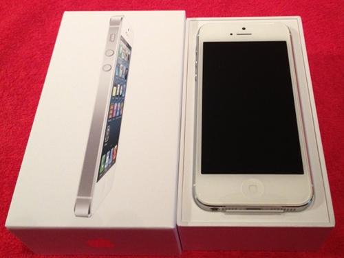 iPhone 5 - Gerät in Verpackung